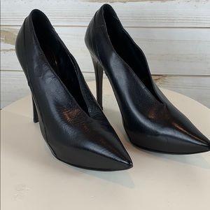 BURBERRY~ Authentic, Size 5.5 Heels